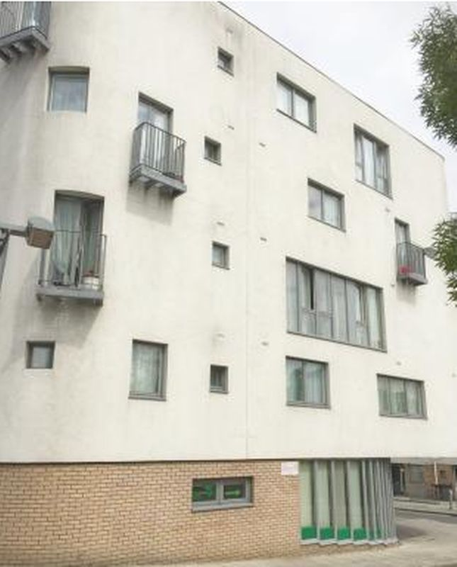 2 Bedrooms Property for sale in Pickering Road, Barking