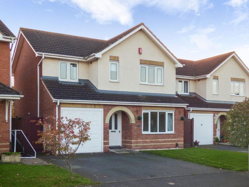 4 Bedrooms Property for sale in Newill Grove, Telford