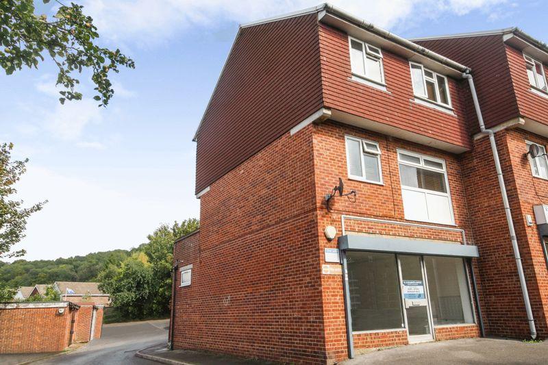 3 Bedrooms Property for sale in Roundway, Biggin Hill, Westerham