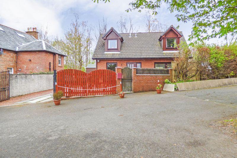 3 Bedrooms Property for sale in Main Street, Dreghorn,Irvine