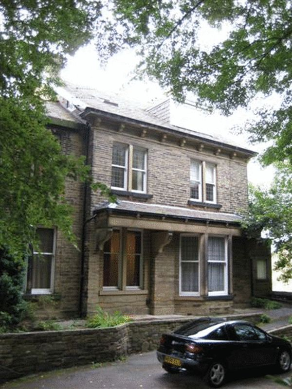 6 Bedrooms Property for sale in Park Drive, Bradford