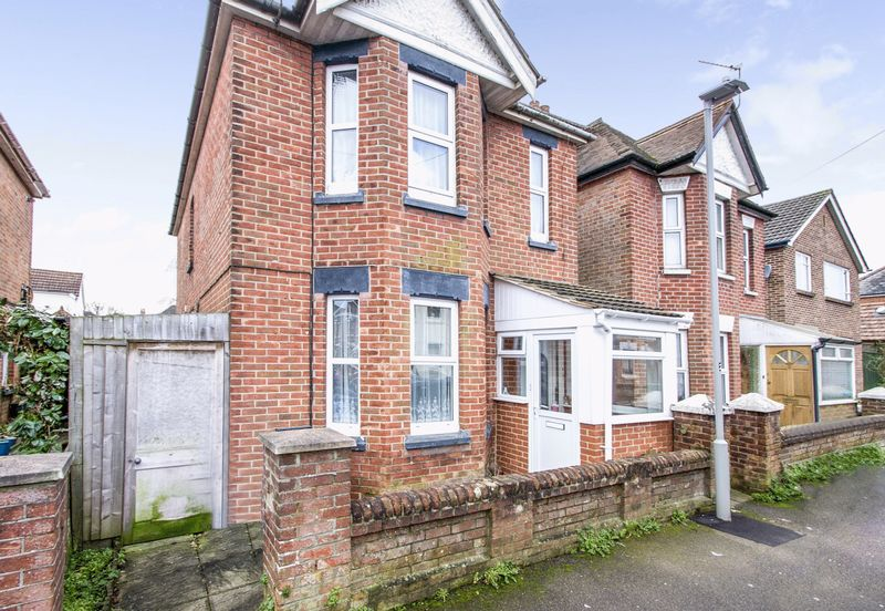 3 Bedrooms Property for sale in Cheltenham Road, Poole