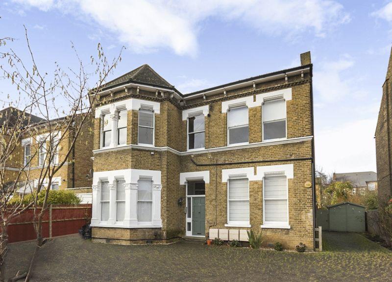 2 Bedrooms Property for sale in Sunderland Road, London