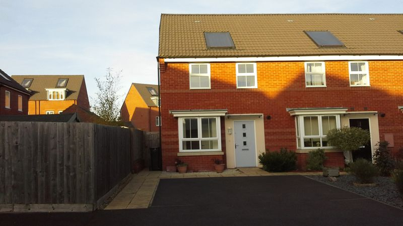 3 Bedrooms Property for sale in Imperial Way, Bridgwater