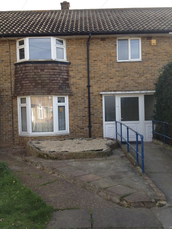 3 Bedrooms Property for sale in Bunters Avenue, Southend-On-Sea