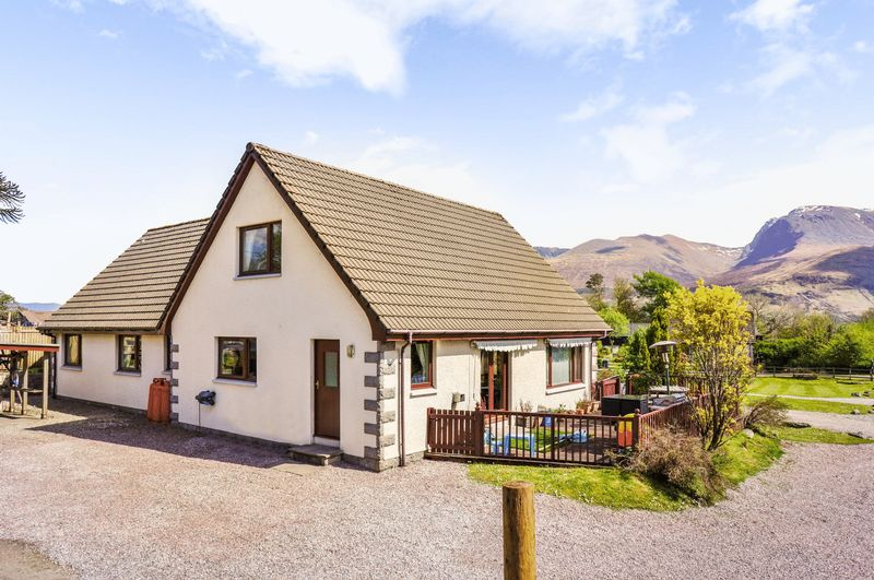 4 Bedrooms Property for sale in Schiehallion House & Cottage Large 4 Bedroomed Detached House & a lovely 2 Bedroomed Detached Cottage