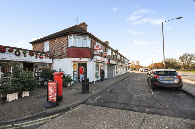 Property for sale in Dellfield Parade, Uxbridge