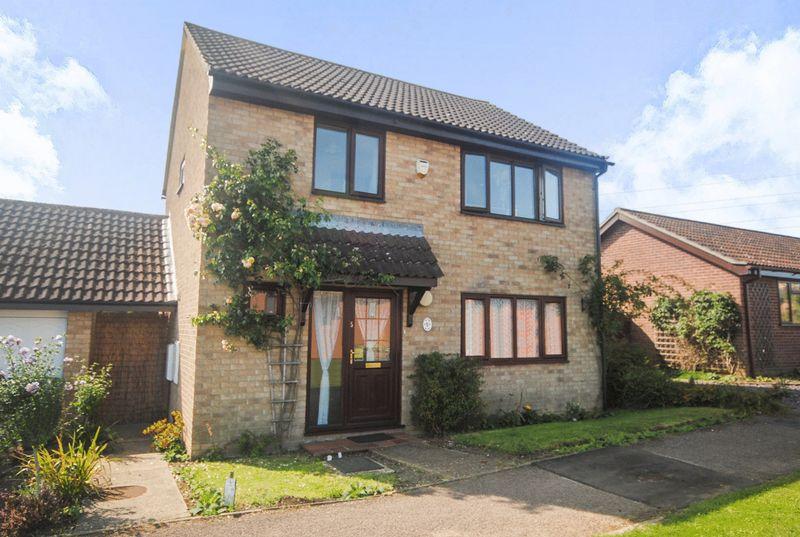 4 Bedrooms Property for sale in Gunton Road, Loddon