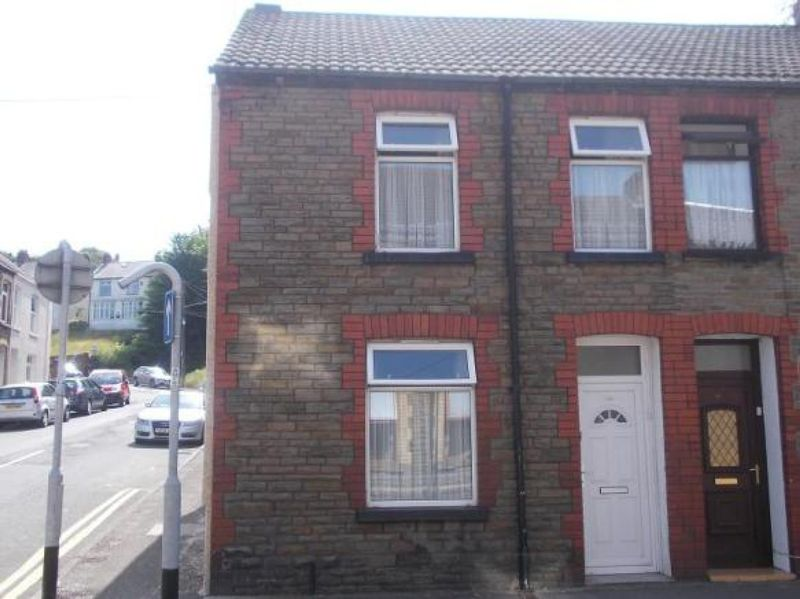 3 Bedrooms Property for sale in Crythan Road, Neath