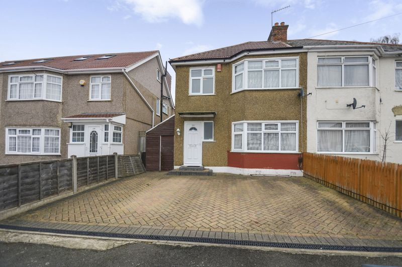 3 Bedrooms Property for sale in Canterbury Road, Harrow