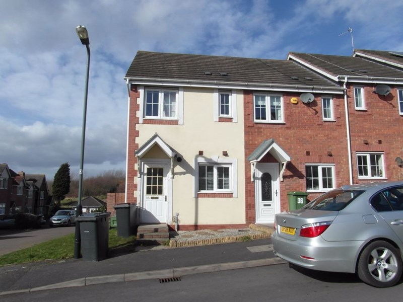 35,  Eden Court,  NUNEATON  CV10