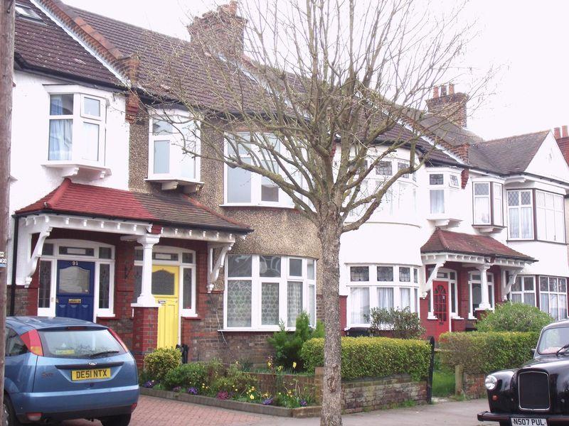 Ashburton Avenue, Croydon