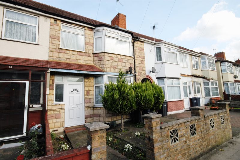 3 Bedrooms Property for sale in Brent Road, Southall