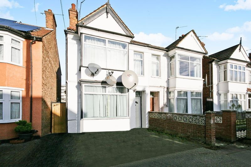 7 Bedrooms Property for sale in Central Road, Wembley