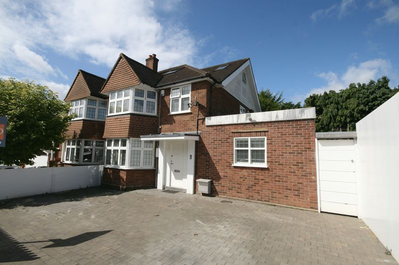 4 Bedrooms Property for sale in Priory Hill, Wembley
