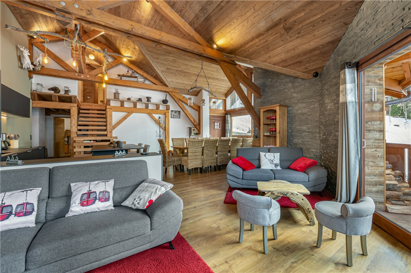 CHALET WITH RESTAURANT Accommodation in Les Menuires