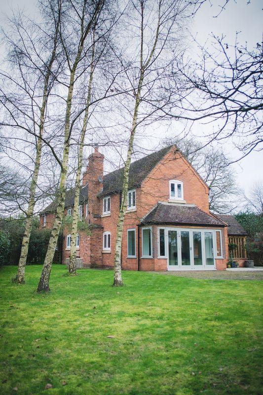Woodlands Cottage, Rowington. .