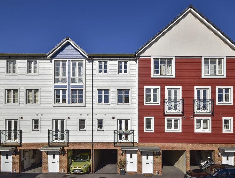 Crabapple Road, Tonbridge property for sale by Mr & Mrs Clarke – Estate Agents