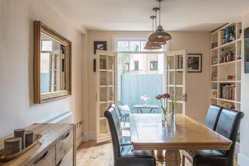 Saltisford, Warwick property for sale by Mr & Mrs Clarke – Estate Agents
