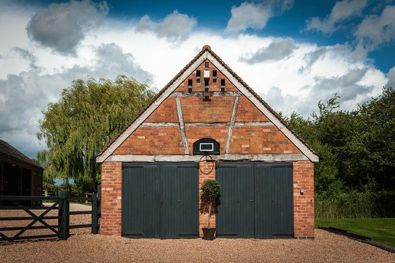 Chadwick Barns, Chadwick End