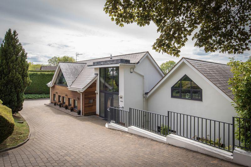 Rooftops, Moreton Paddox