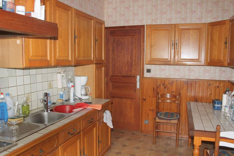 Two houses totalling 7 bedrooms plus large equipped workshop on 3600m2 of gardens