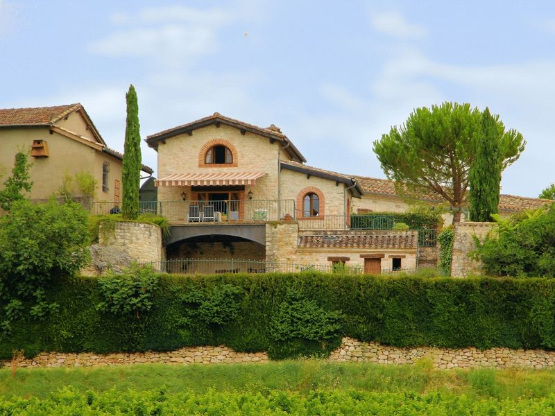 Two high quality stone houses with superb views of surrounding vineyards