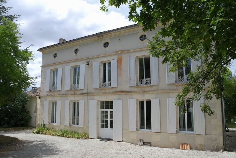 Early 19C Maison de Maitre close to Saint Jean d'Angely and just 40 minutes from the coast