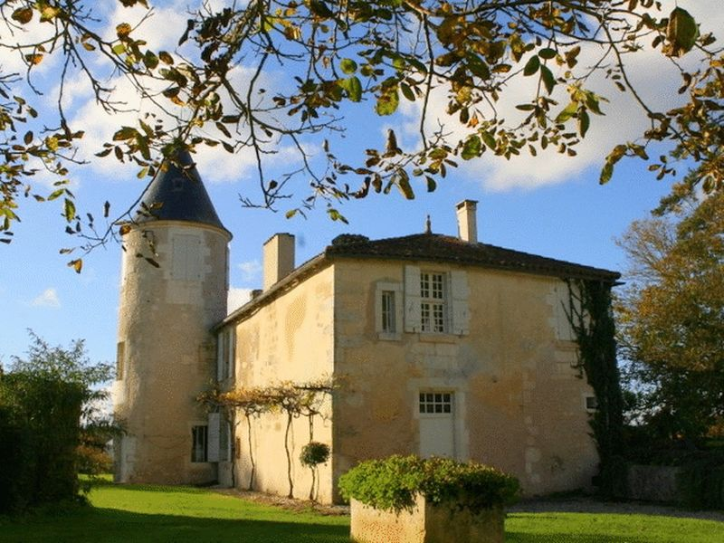 Fairytale Chateau with 18 bedrooms in idyllic setting
