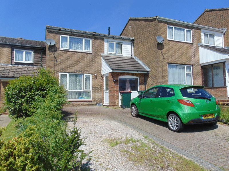Dovedale Crescent, Crawley