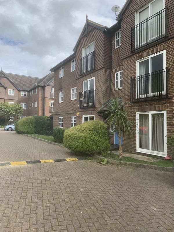Newbury Road, Crawley