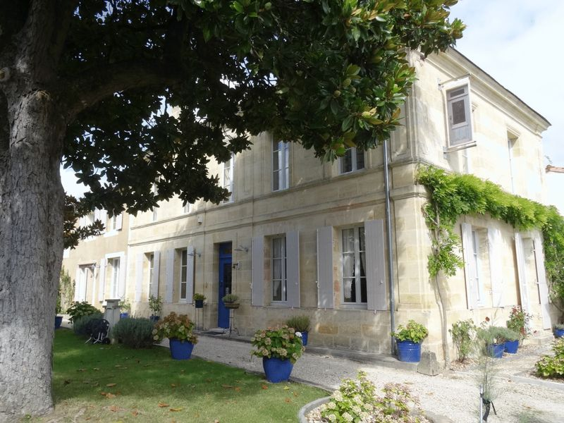 Ideal chambre d'hôtes or family home with 5 bedrooms and bathrooms