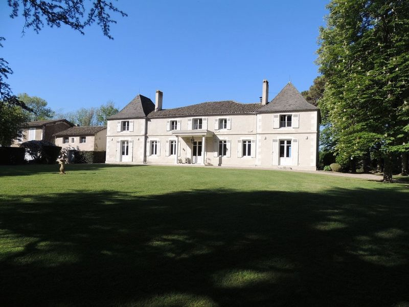 6 bed country house, cottage, pool and views