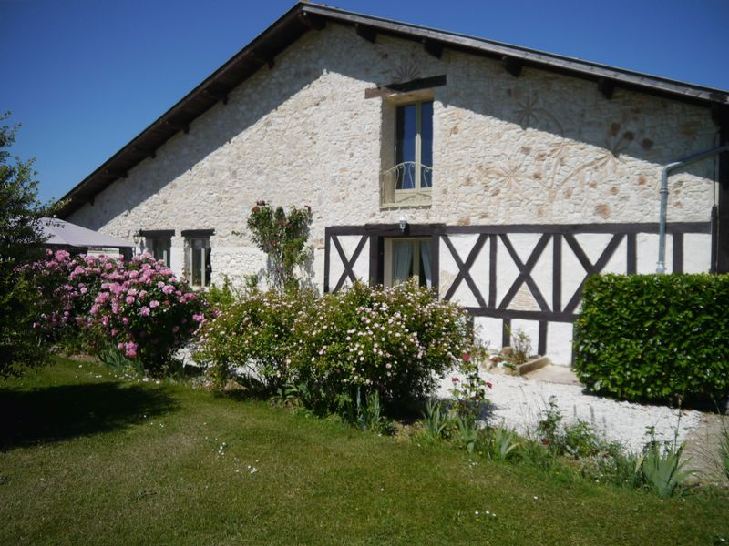 Green living, a charming 3 bed barn conversion plus a 1 bed apartment