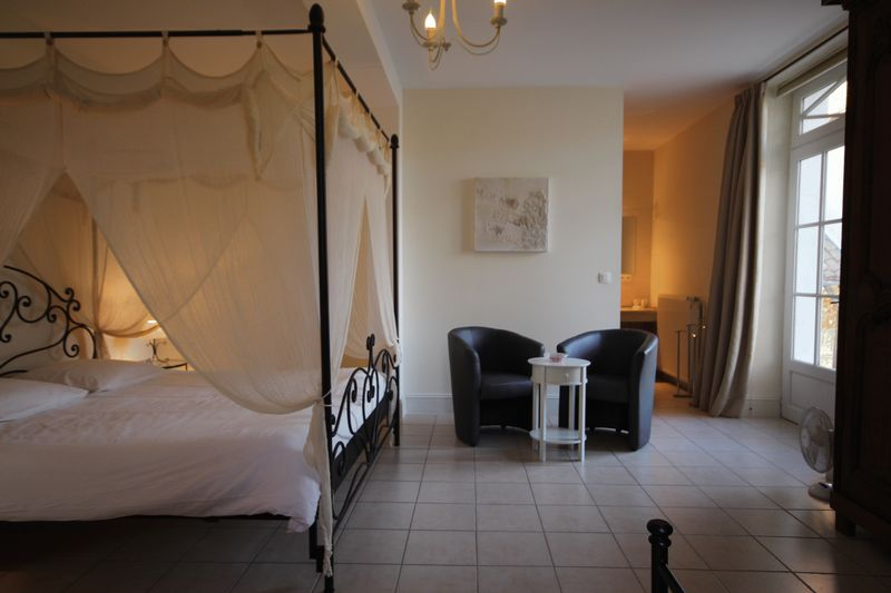 SIMPLY STUNNING 'maison de maitre' currently set up as a Chambre d'Hotes
