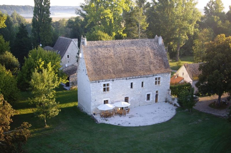 Domaine comprising 2 manoirs, a watermill and cottage