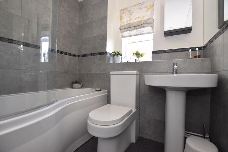 property thumbnail bathroom%281%29.jpg