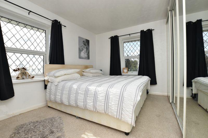 property thumbnail bedroom-1.jpg