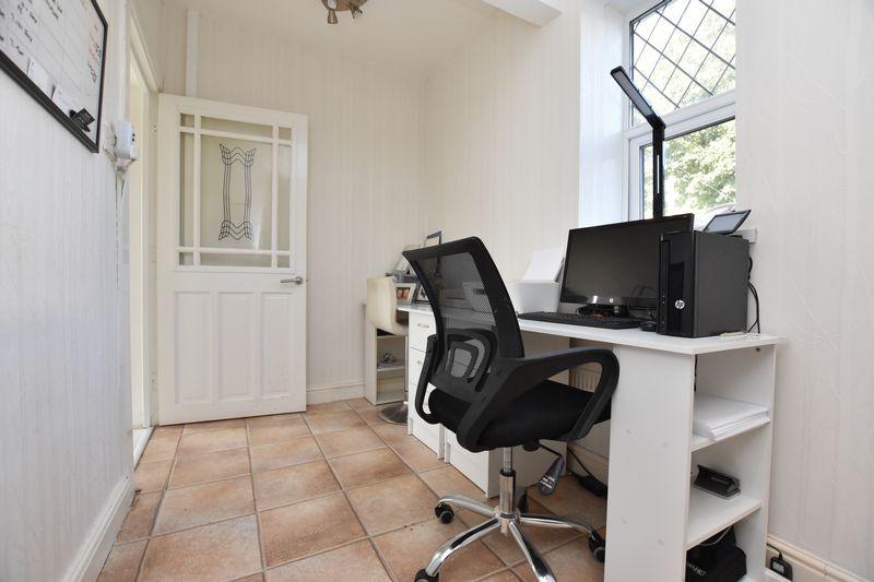 property thumbnail office.jpg