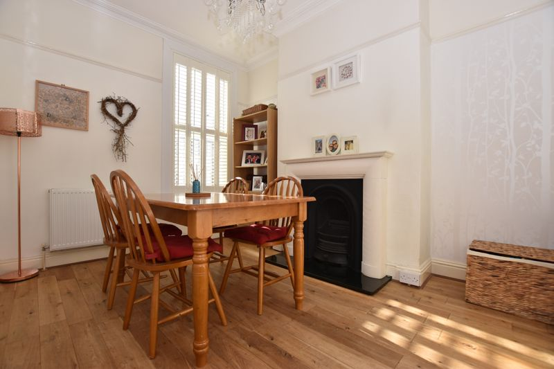property thumbnail Dining-room.jpg