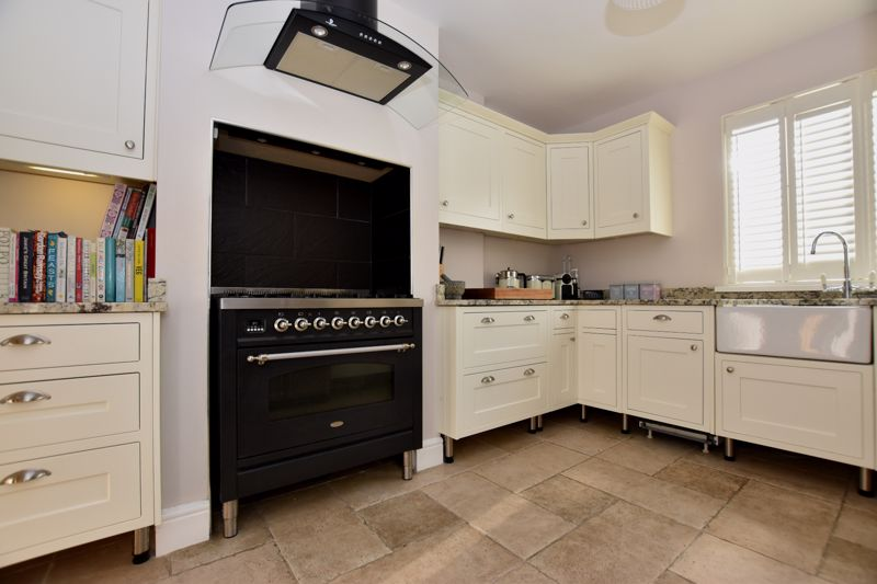 property thumbnail kitchen.jpg