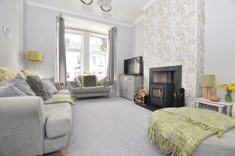 property thumbnail Living-room.jpg