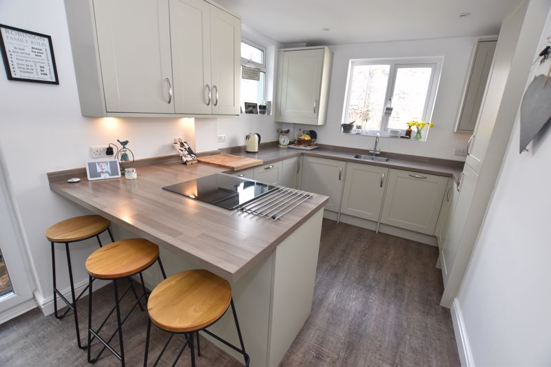 property thumbnail kitchen-3.jpg