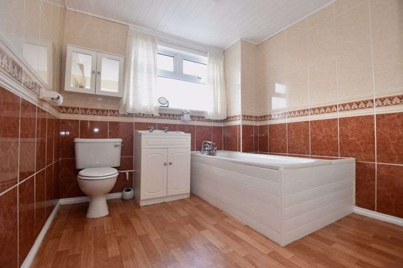 property thumbnail bathroom%282%29.jpg