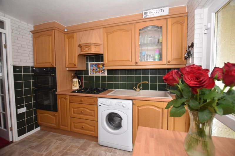 property thumbnail kitchen1.jpg