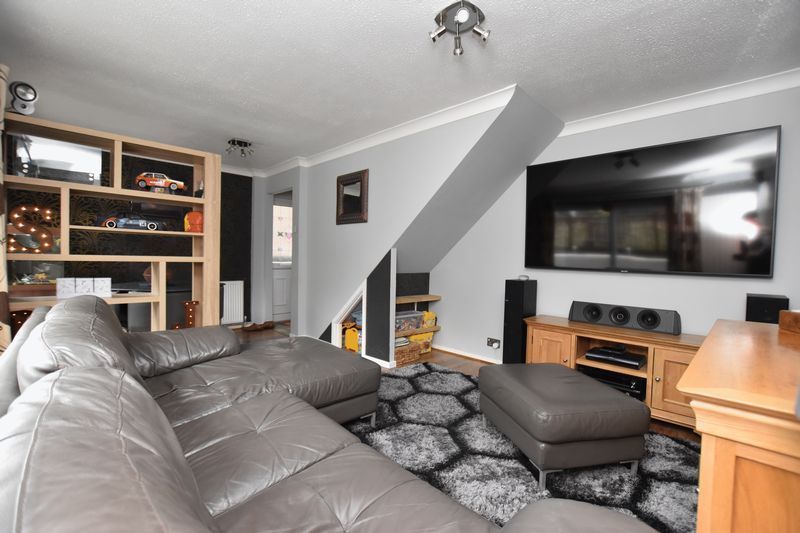 property thumbnail Living-room-1.jpg