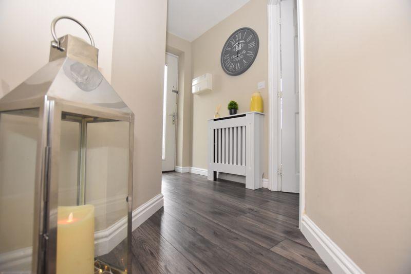 property thumbnail Hallway.jpg