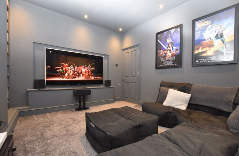 property thumbnail cinema-room.jpg