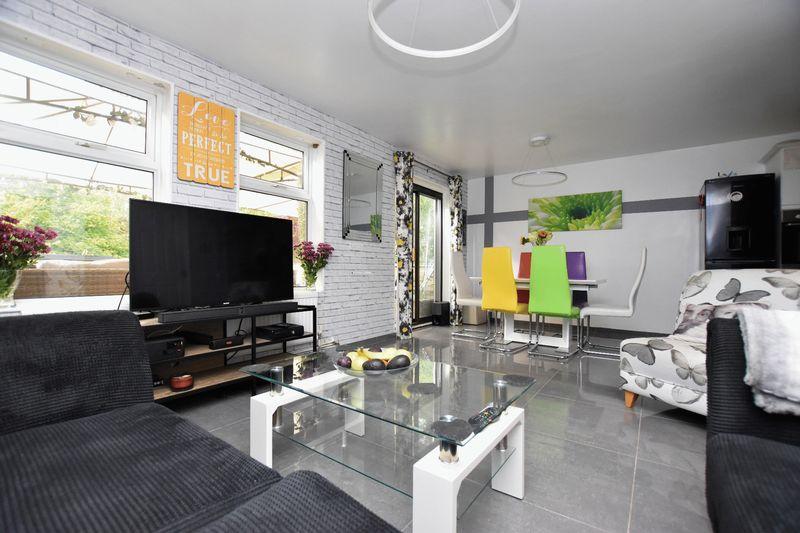 property thumbnail Living-room-diner.jpg