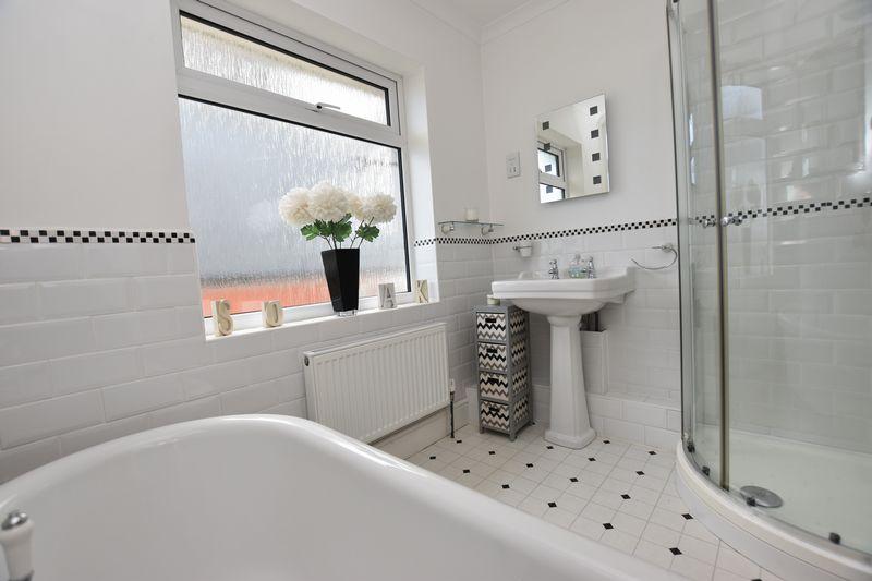 property thumbnail Bathroom-2.jpg